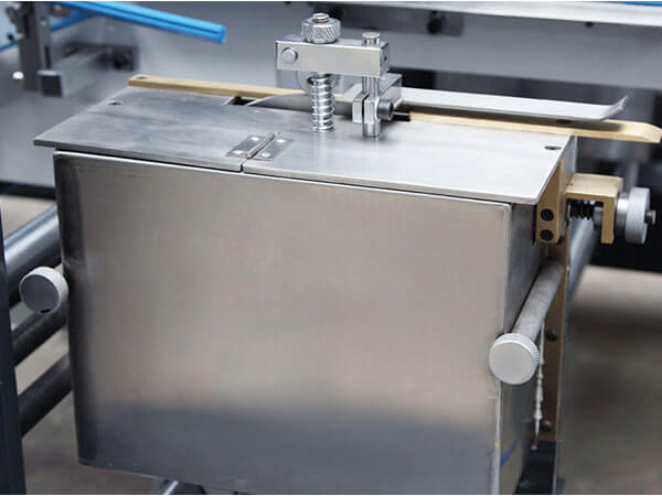 Folding Gluing Machine for Bottom Lock Box details